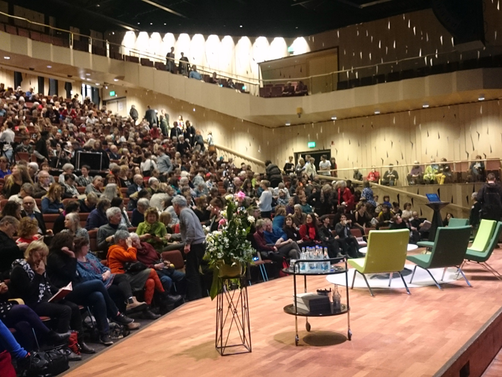 Littfest audience preparing for one of the major events in Idun. This time Jeanette Winterson will take the stage in front of a full house - more than 1000 people.